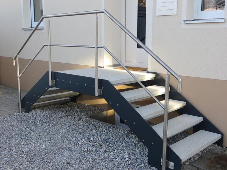 Metallbau Wölfle, Treppen, Balkone und Geländer